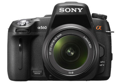 Sony Alpha A560 and A580 cameras play it safe