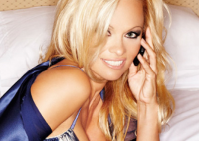 Nokia N8 offers you a bedroom scene with Pamela Anderson