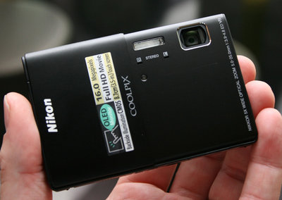 Nikon Coolpix S100 hands-on