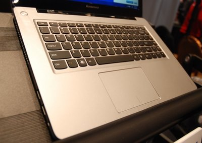 Lenovo IdeaPad U310 and U410 Ultrabooks pictures and hands-on