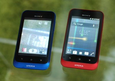 Sony Xperia Tipo pictures and hands-on