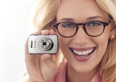 Nikon Coolpix S01: The mini compact camera smaller than your phone