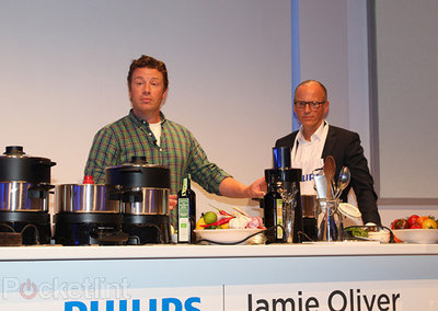 Philips at IFA 2012: Fidelio speakers, Original Radio, some tellies and a chef