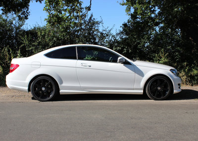Mercedes-Benz C220 CDi BlueEfficiency AMG Sport Coupe pictures and hands-on