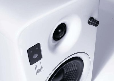 Roth OLi POWA-5 stereo speakers unleashed, with built-in amp and Bluetooth