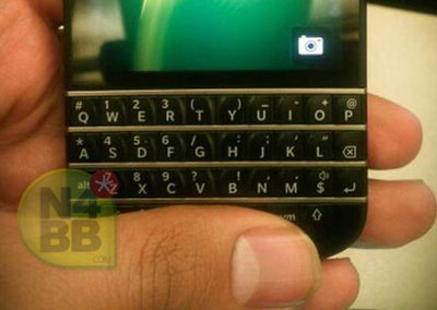 New BlackBerry 10 N-Series (X10) pictures leak, showing off the QWERTY keyboard in full