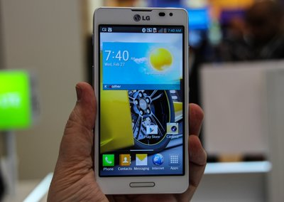 LG Optimus F Series pictures and hands-on: F7 and F5