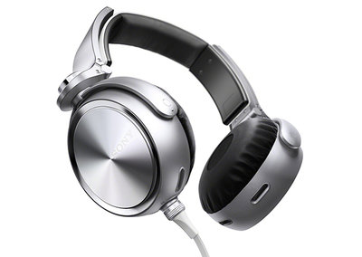 Sony aims at the Beats generation with its bass booming MDR-XB910 headphones