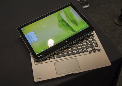 Toshiba Satellite W30t hands-on: laptop-tablet hybrid pushes the budget angle