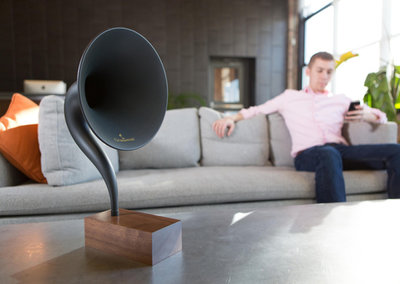 Gramovox is the world's first Bluetooth gramophone speaker