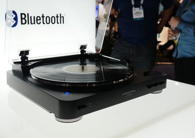 Vinyl fan? Audio-Technica AT-LP60BT Bluetooth turntable offers cool without the wires