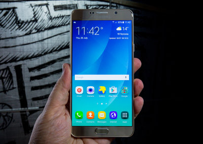 Samsung Galaxy Note 6 should be IP68 water resistant, iris scanner possible
