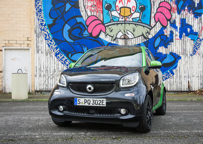 Smart Electric Drive (2017) first drive: Nippy inner-city transport sprouts a plug socket