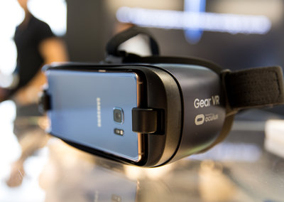 Gear VR now supports Chromecast: Here's how to stream VR to your TV