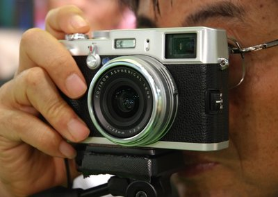 First Look: Fujifilm FinePix X100
