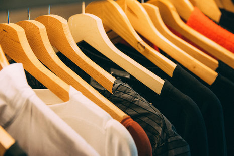 Amazon StyleSnap tool uses AI to find similar clothing in photos