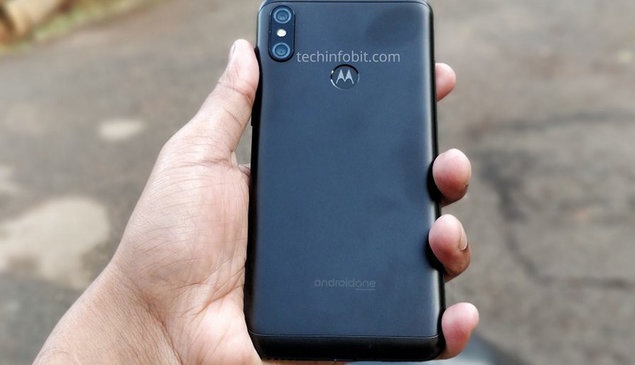 Motorola One Power hands-on images confirms notch and dual camera