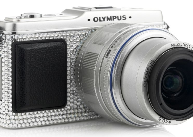Olympus Pen E-P1 gets Swarovski treatment