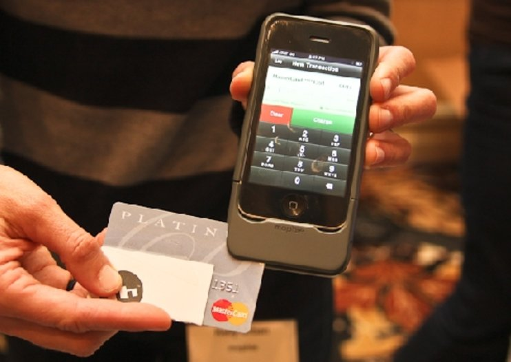 Mophie iPhone credit card reader hands-on