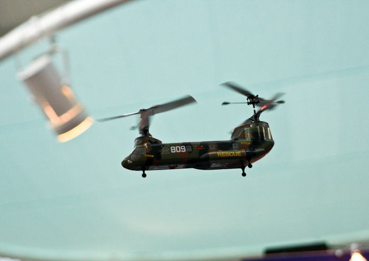Remote controlled Chinook inbound