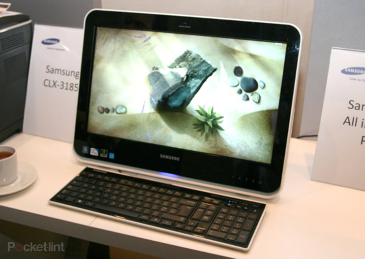 Samsung's U200 specced, hits PC World