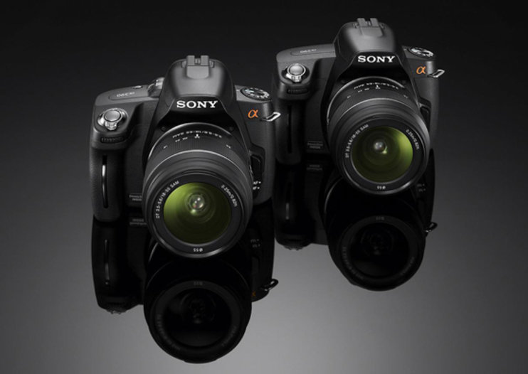 Sony Alpha 390 and 290 DSLR cameras targeted at entry-level users