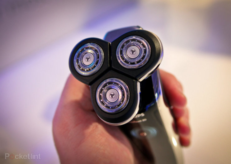 Philips SensoTouch 3D shaver follows TVs with 3D performance