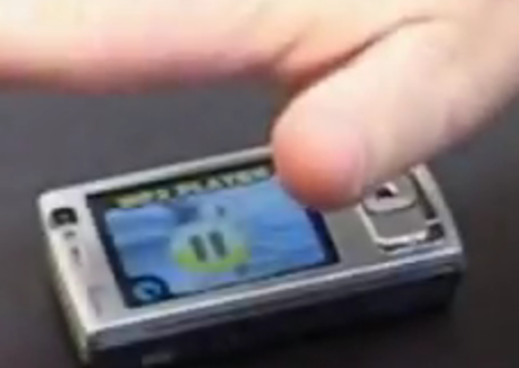 VIDEO: Hand gestures on a mobile phone