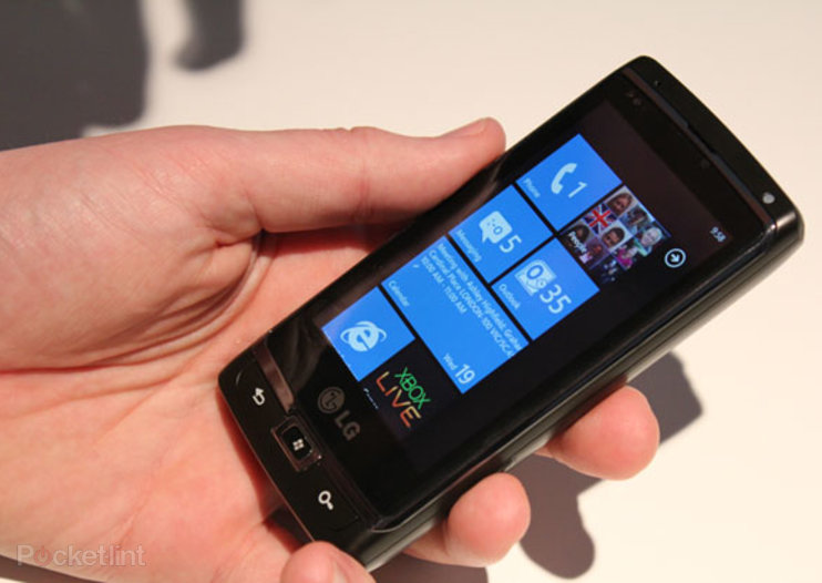 All major UK networks to carry Windows Phone 7 handsets