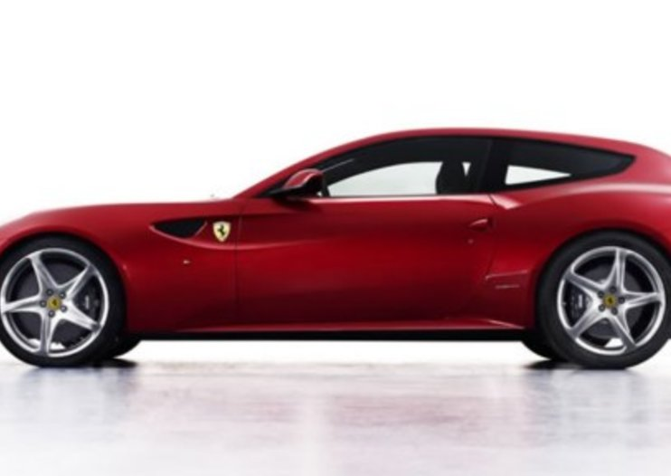 Ferrari FF four-wheel drive revs-up