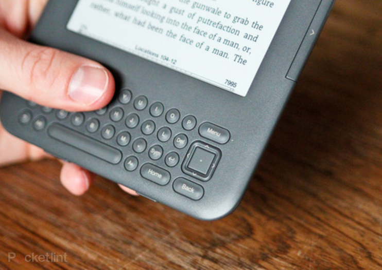 Amazon hits back at Nook with $164 3G Kindle