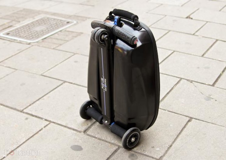 Fly through the airport with Samsonite scooter luggage