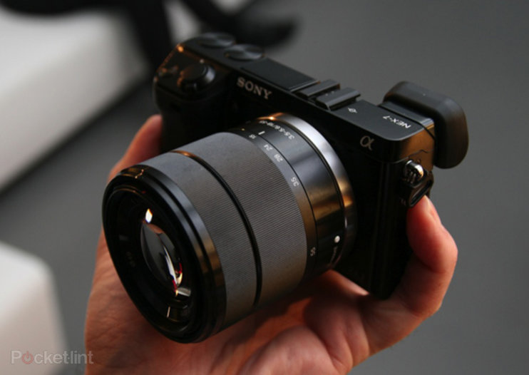 Sony NEX-7 18-55mm black kit coming at the end of February