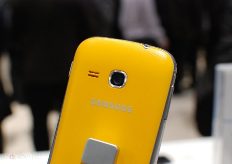 Samsung Galaxy Mini 2 pictures and hands-on