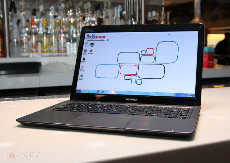 Toshiba Satellite U840 pictures and hands-on