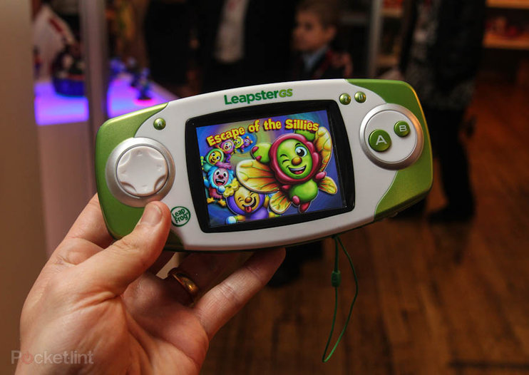 LeapFrog LeapsterGS pictures and hands-on