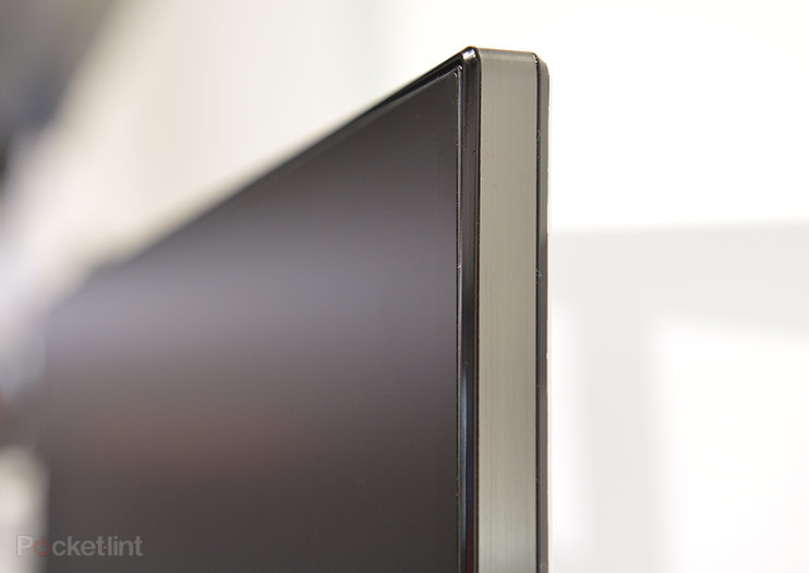 LG EA93 21:9 widescreen monitor pictures and hands-on