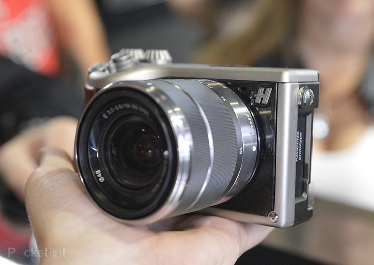 Hasselblad Lunar mirrorless system camera pictures and hands-on