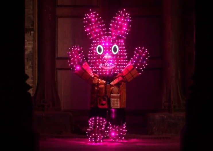 Duracell Bunny is lit up using discarded batteries (video)