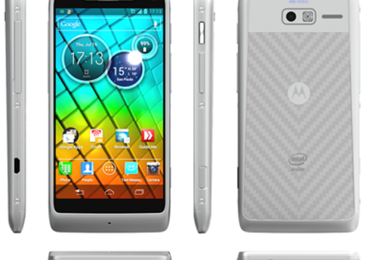 White Motorola RAZR i shows RAZR M how white should be done