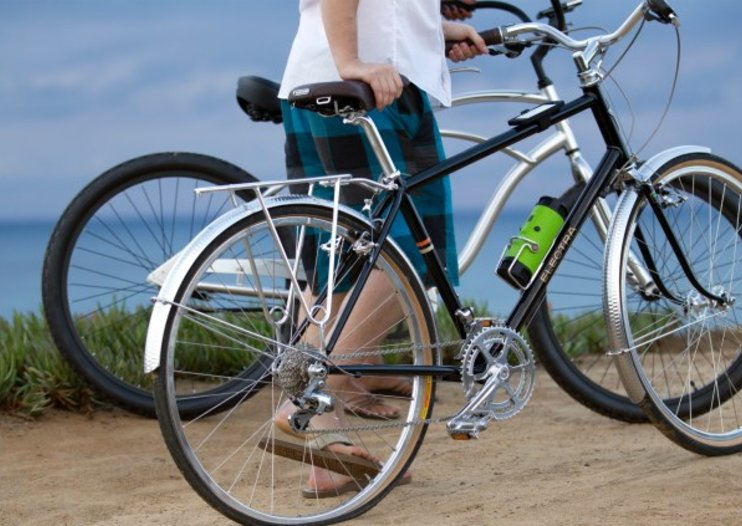 Scosche BoomBottle makes your ride sound sweet, won't quench thirst