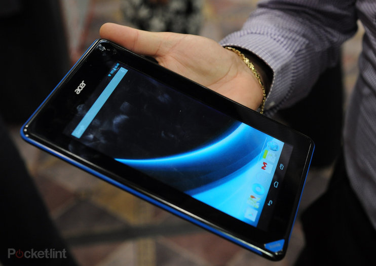 Acer B1-A71 pictures and hands-on