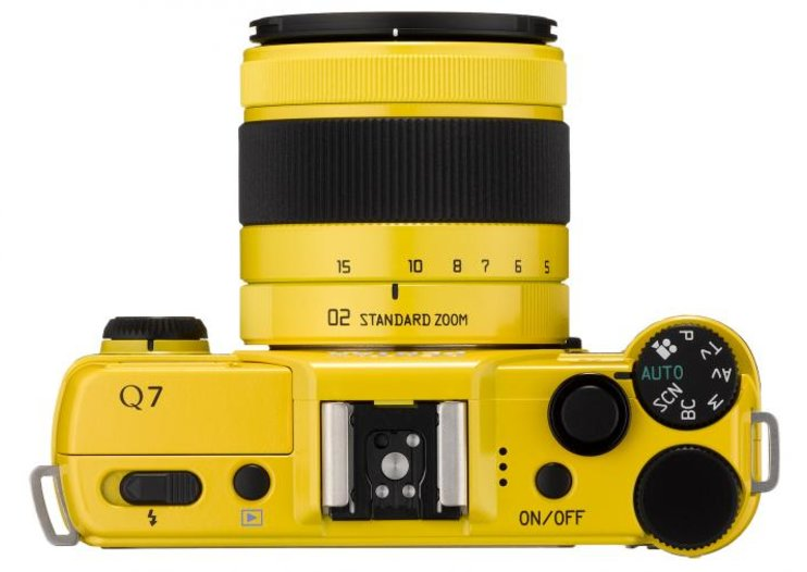 Pentax's colourful Q7 CSC with larger sensor to launch in September