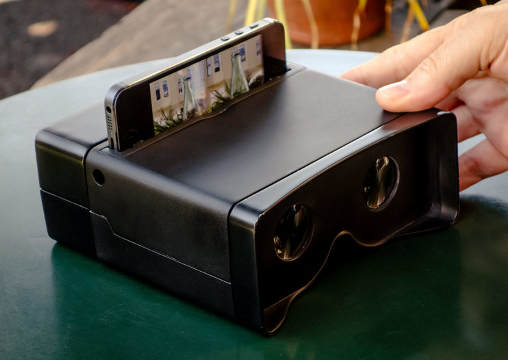 Turn your iPhone into a 3D camera with Poppy, a hark back to the View-Master 3-D