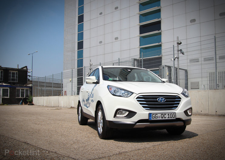 Driving the Hyundai ix35 Fuel Cell: The world's first production hydrogen fuel cell car