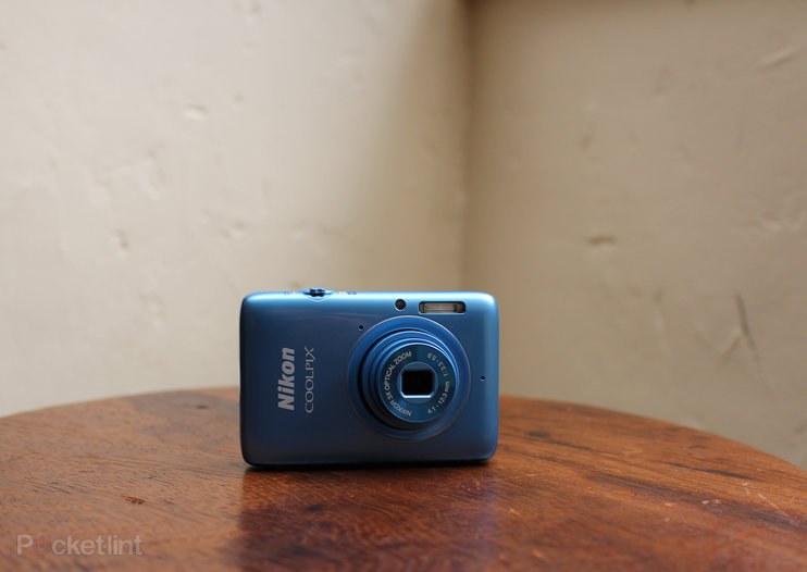 Nikon Coolpix S02 hands-on: A dinky camera fit for Bond