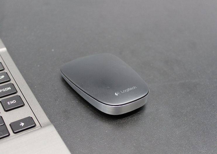 Logitech Ultrathin Touch Mouse gets a literal hands-on