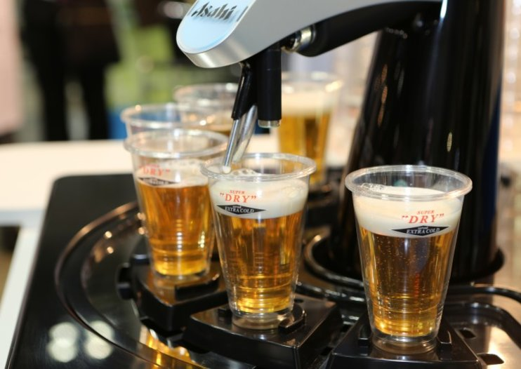 Asahi's robot barman pours six perfect beers every time