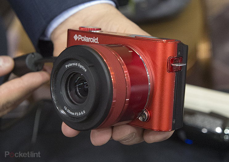 Polaroid Android iM1836 interchangeable lens camera pictures and hands-on