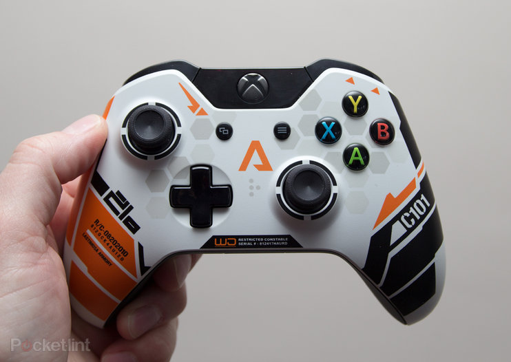 Xbox One Titanfall controller pictures and hands-on